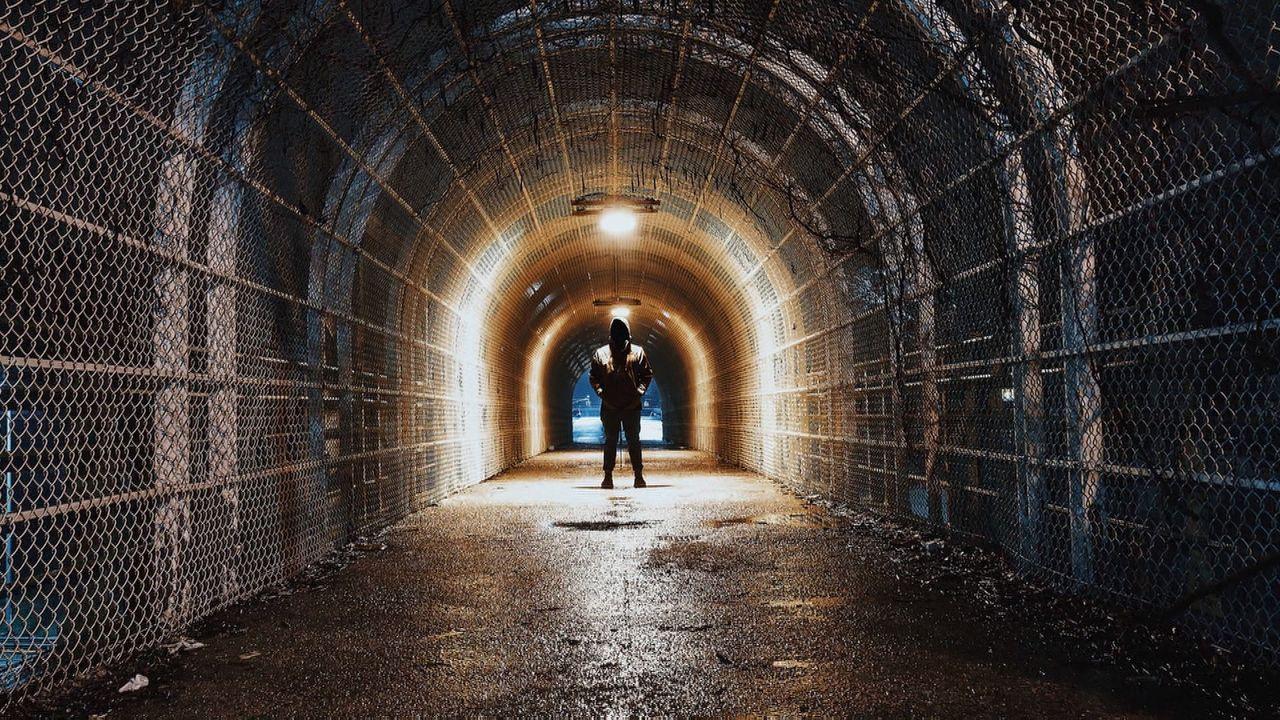"""""""Entdeckt! Geheimnisvolle Orte"""" deckt geheimnisvolle und verlassene Orte auf und erzählt dem Zuschauer die spannenden Geschichten dahinter ... - Bildquelle: kabel eins Doku"""