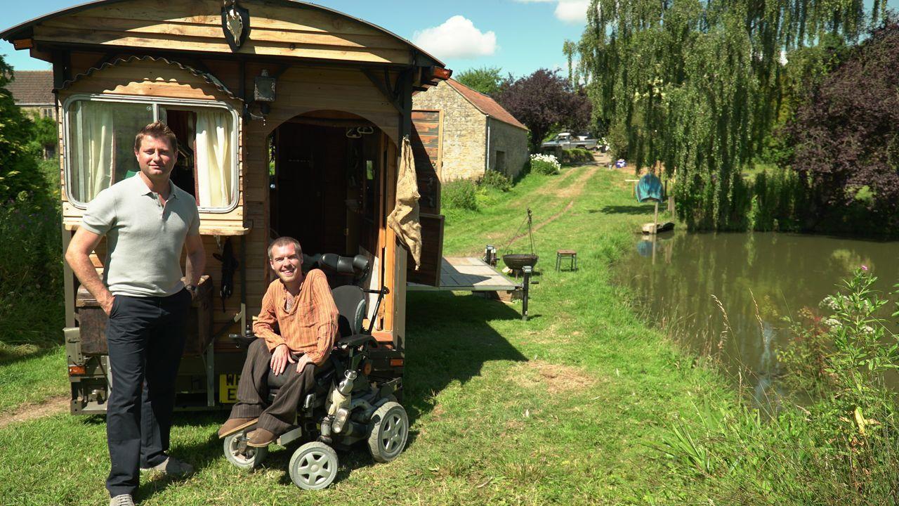 Der Architekt George Clarke zeigt anhand der heutigen außergewöhnlichen Wohn... - Bildquelle: Hat Trick International