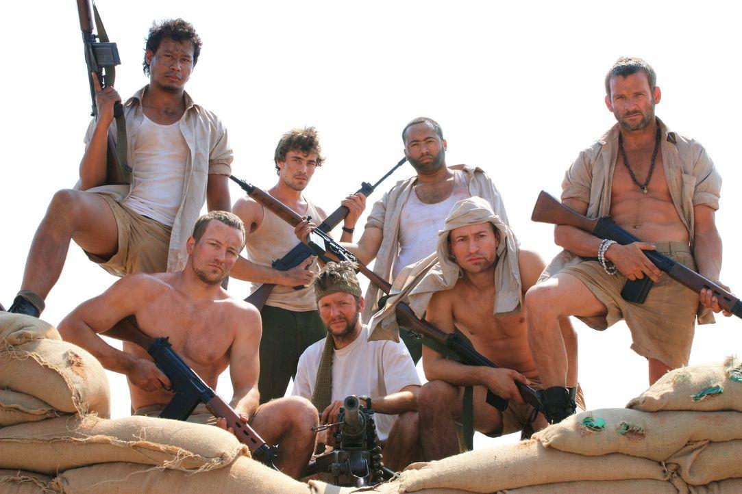 Eigentlich hatten die neun Soldaten der britischen Spezialeinheit SAS 1972 ihren streng geheimen Einsatz im Arabischen Golf fast beendet, da wurden... - Bildquelle: James Leigh 2008 DANGEROUS FILMS