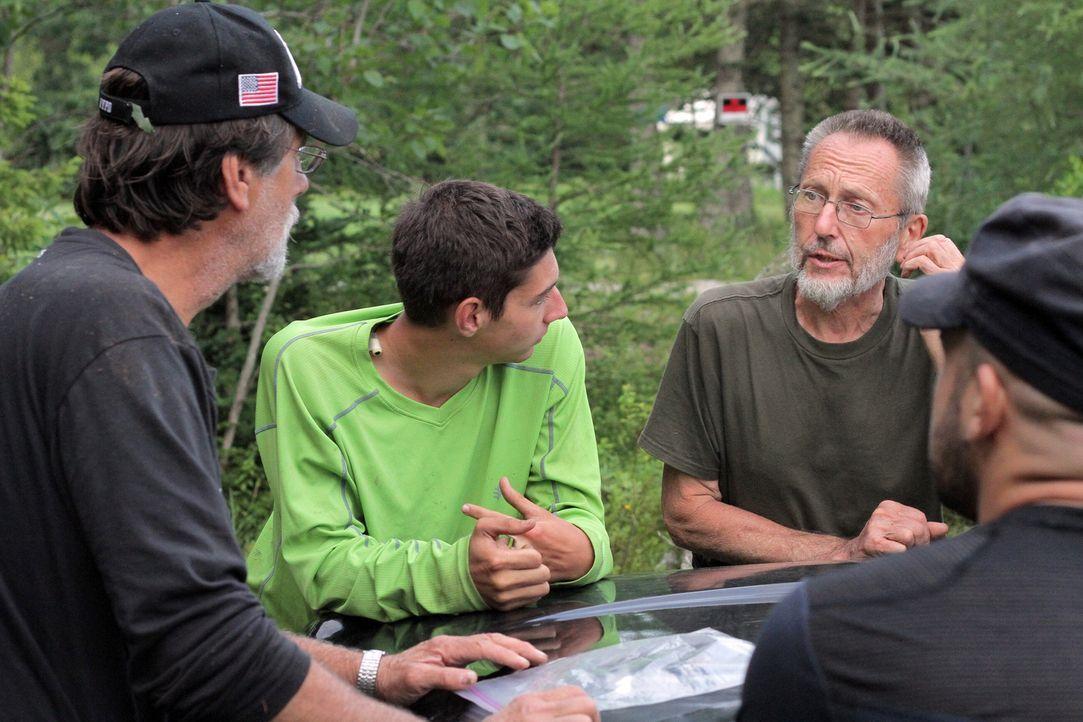 """Die Doku """"Oak Island - Fluch und Legende"""" begleitet sechs waghalsige Schatzssucher, die sich in das Abenteuer stürzen und den wertvollen Schatz auf... - Bildquelle: 2014 A&E Television Networks, LLC. All Rights Reserved/ PROMETHEUS ENTERTAINMENT"""