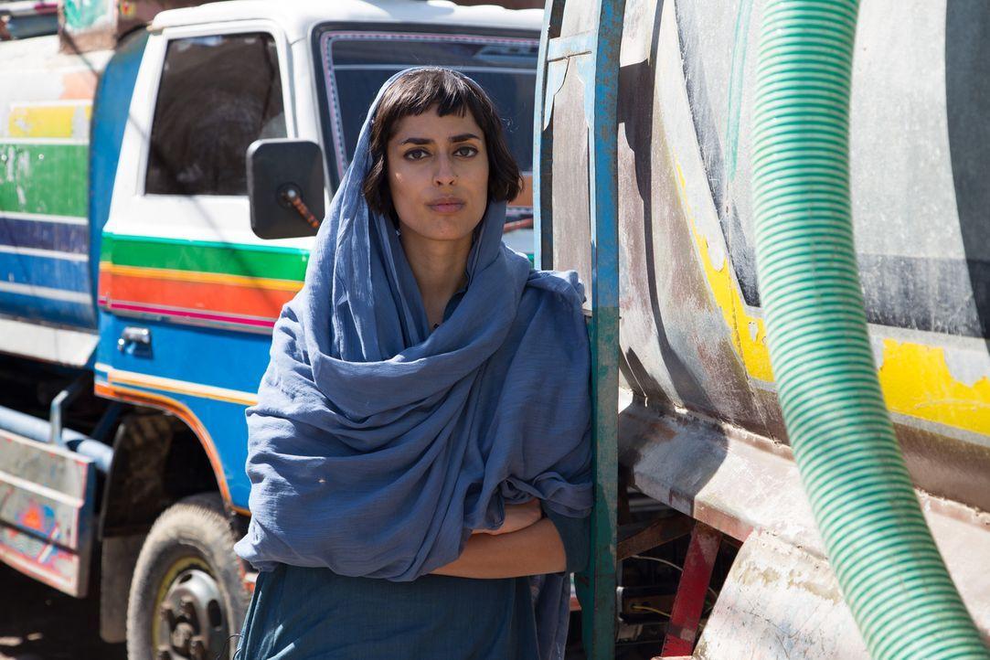 Fazeelat Aslam reist nach Karatschi, in Pakistan. Dort berichtet sie über die Megacity, die kein Wasser hat ... - Bildquelle: Quicksilver Media