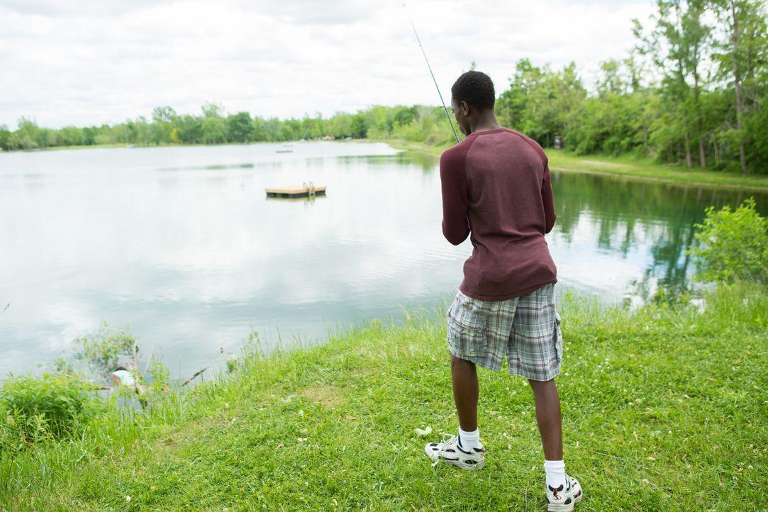 Was für ein Schock! Beim Angeln am Terry See in Pontiac, Michigan, macht ein 12-jähriger Junge eine grausige Entdeckung. An seiner Angel hängt die L... - Bildquelle: Darren Goldstein Cineflix 2014