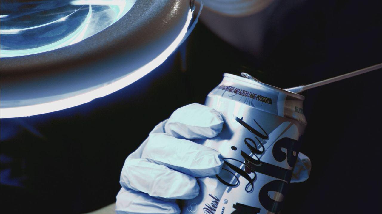 Im Zweifel gegen den Angeklagten: Werden die DNA-Spuren an einer Getränke-Dose den Mörder der jungen Deborah Sykes endlich überführen? - Bildquelle: Cineflix 2012