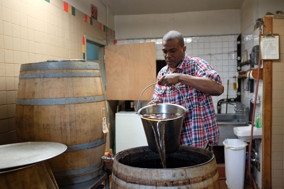 Auf seiner kulinarischen Reise um den Globus erkundet Anthony Bourdain die Bronx. Ein Abenteuer wartet auf ihn ... - Bildquelle: 2014 Cable News Network, Inc. A TimeWarner Company All rights reserved