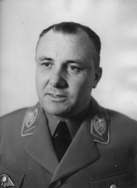 Der Partei-Kanzlei der NSDAP Martin Bormann galt nach seiner Flucht aus dem sogenannten Führerbunker Anfang Mai 1945 als verschollen. Er wurde im Nü... - Bildquelle: Haacker Haacker/Fox Photos/Getty Images