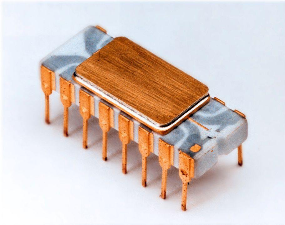 Der Intel 4004 ist ein 4-Bit-Mikroprozessor des Mikrochipherstellers Intel, der am 15. November 1971 auf den Markt kam. Er gilt als der erste Ein-Ch... - Bildquelle: Intel Corporation