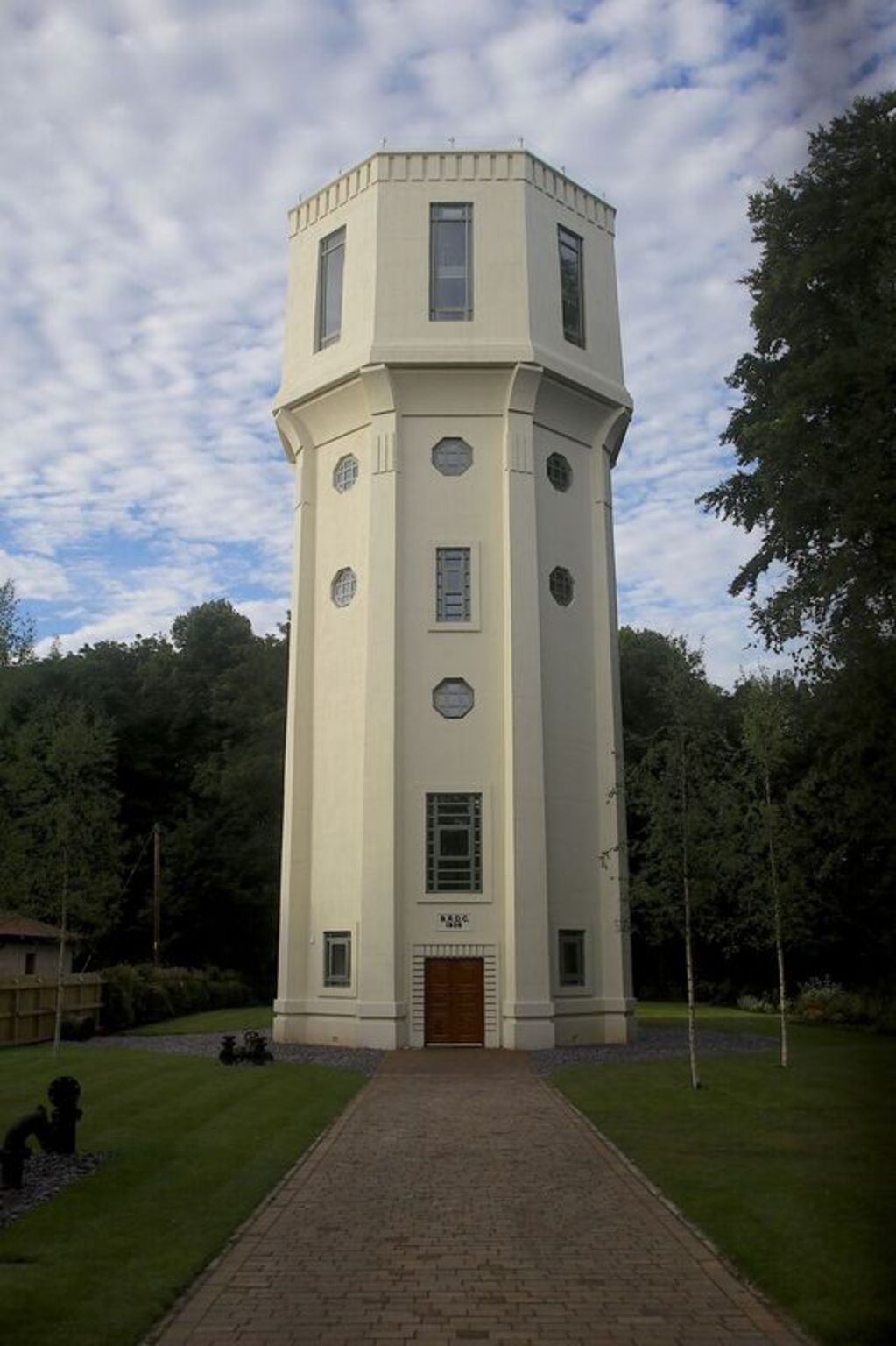 Restoration Man Retter Der Ruinen Ein Wasserturm Im Art Déco