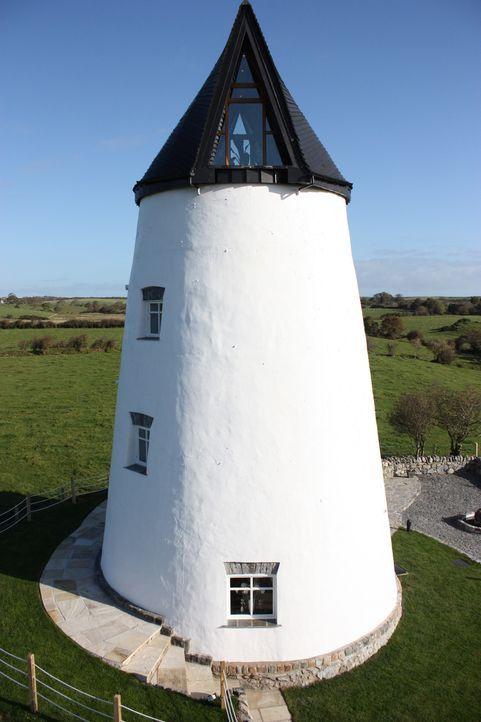 Architekt George Clarke unterstützt Clive und seine Frau Jane dabei, eine alte Windmühle in Anglesey in eine wohnliche Altersresidenz zu verwandeln... - Bildquelle: 2014 Cable News Network, Inc. A TimeWarner Company All rights reserved.