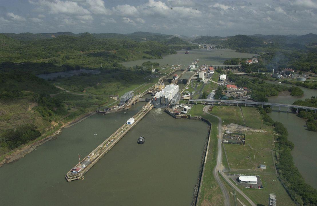 """Lokomotiven und Züge üben bis heute eine große Faszination aus - """"Moderne Wunder"""" besucht rund um den Globus einige der spannendsten Bahnen ... - Bildquelle: Panama Canal Authority"""
