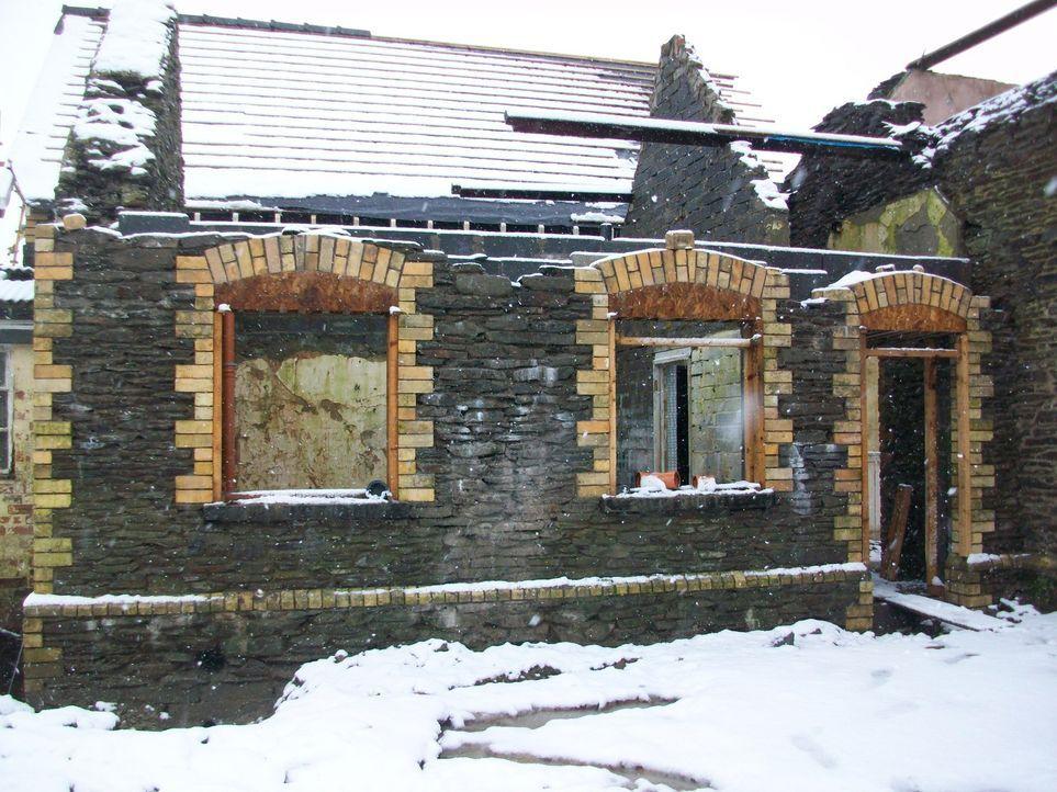 Architekt George Clarke hilft Ian und Jayne Hall Edwards dabei, ihren Traum vom umgebauten viktorianischen Schulgebäude zu verwirklichen ... - Bildquelle: 2014 Cable News Network, Inc. A TimeWarner Company All rights reserved.