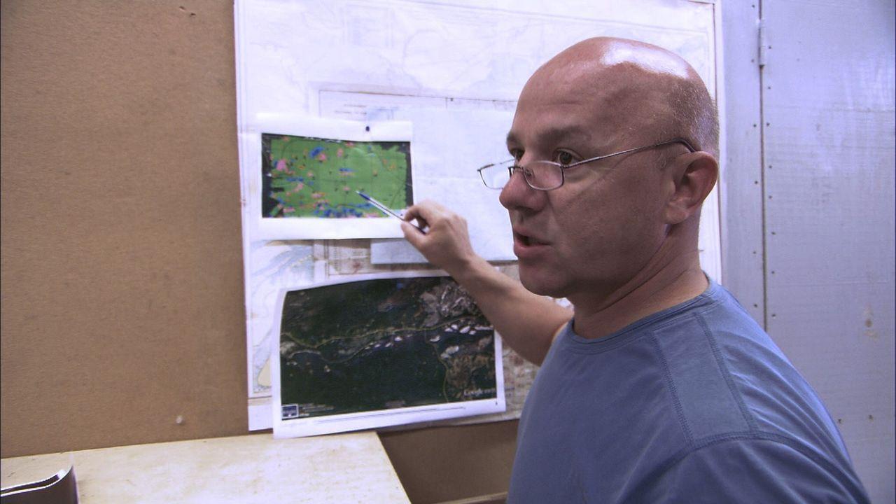 Ray Tremblay beschäftigt sich mit der Legende eines deutschen U-Boot-Wracks. Der Fund würde Mine EOD berühmt machen ... - Bildquelle: 2012 PIXCOM PRODUCTIONS INC.