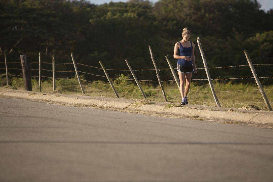 Sie läuft in ihr Verderben: Sara (Foto) und ihr Verlobter genießen ihre Reise auf einer Luxusyacht, an deren Ende die Hochzeit der beiden steht. Sar... - Bildquelle: Laura Magruder Cineflix 2013