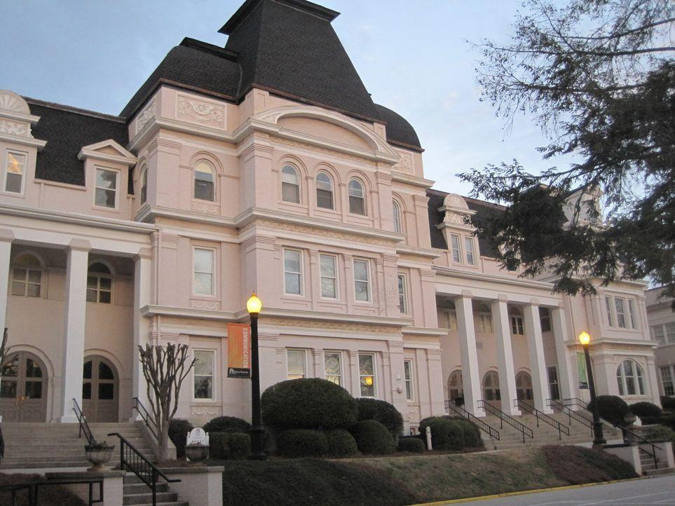An der Brenau Universität in Gainsville/USA geht Don Wildman mysteriösen Fällen nach ... - Bildquelle: MMXI The Travel Channel, L.L.C.