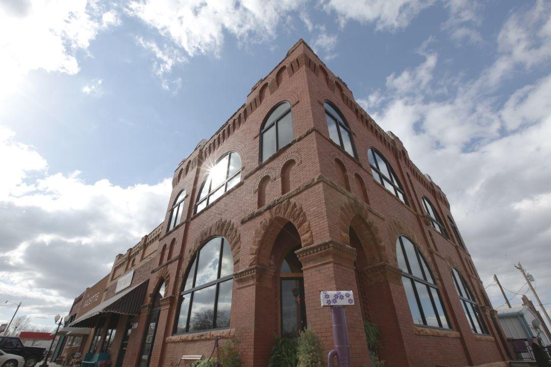 Wie wohnt es sich in einem umgebauten Trockenschuppen, einer alten Bank oder... - Bildquelle: 2013, HGTV/Scripps Networks, LLC. All Rights Reserved.