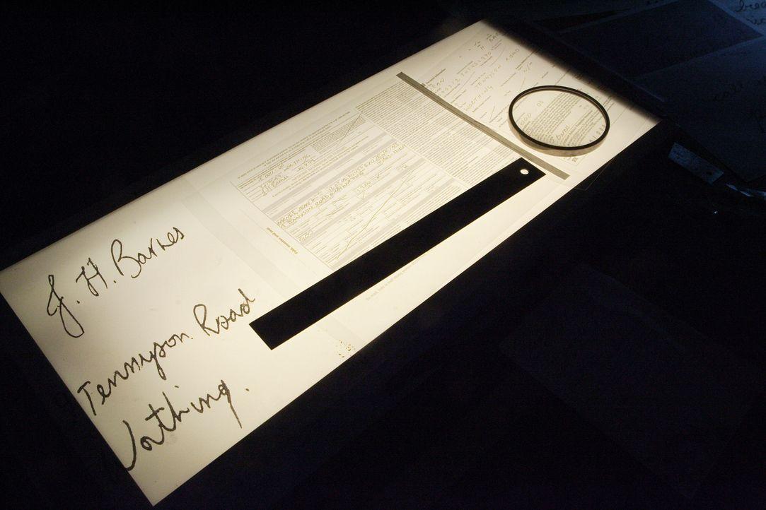 Beweisstück: Kann die Handschrift der getöteten Jean Barnes der Polizei bei der Suche nach ihrem Mörder helfen? - Bildquelle: Ian Watson Cineflix 2008