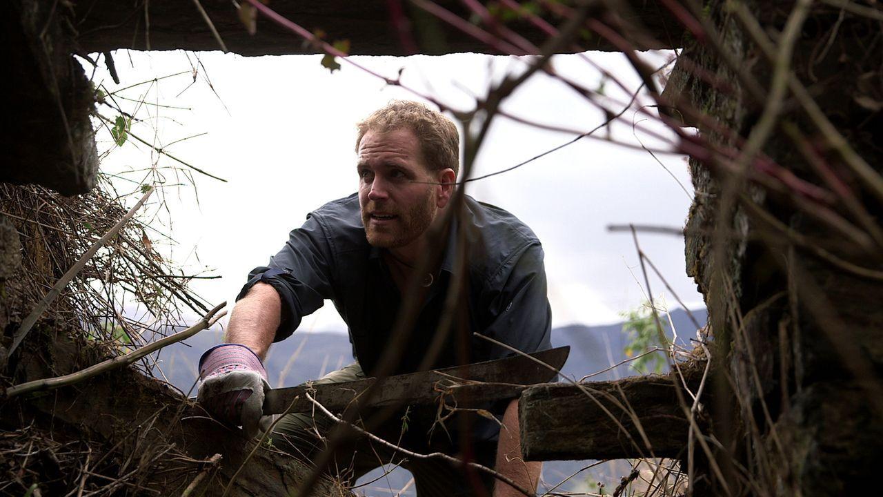 Josh Gates begibt sich auf die Suche nach der goldenen Stadt Eldorado. Dies führt ihn unter anderem auf den Inka-Pfad durch die Anden und zu den Rui... - Bildquelle: 2015, The Travel Channel, L.L.C. All Rights Reserved.
