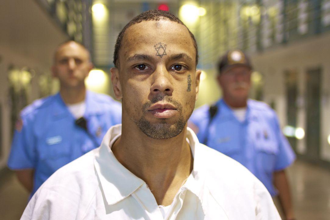Auf einen Insassen kommen immer acht Wärter. Sollten diese jemals die Kontrolle über den Straftäter verlieren, ist ihr Leben in Gefahr ... - Bildquelle: part2pictures