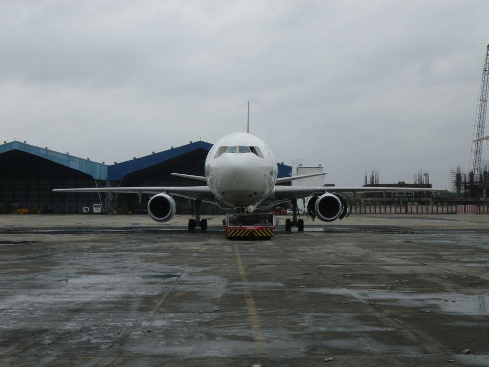 Die ORBIS McDonnell Douglas DC-10 ist die einzige fliegende Augenklinik der Welt. Die Maschine fliegt unermüdlich rund um den Globus und bietet Pati... - Bildquelle: EXPLORATION PRODUCTION INC./DISCOVERY