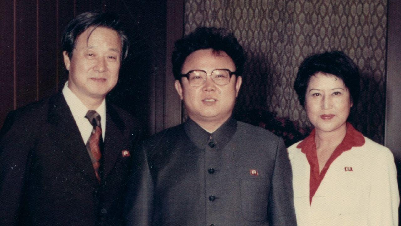 (v.l.n.r.) Shin Sang-Ok; Kim Jong-Il; Choi Eun-Hee - Bildquelle: Shin Jeong-Kyun