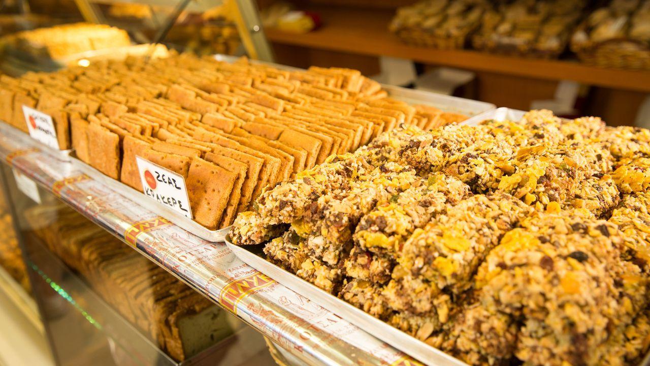"""Für seine Show """"Skurrile Kost: Kulinarische Reisen"""" erkundet Koch und Autor Andrew Zimmern die ganze Welt - stets auf der Suche nach den ungewöhnlic... - Bildquelle: 2014,The Travel Channel, L.L.C. All Rights Reserved"""