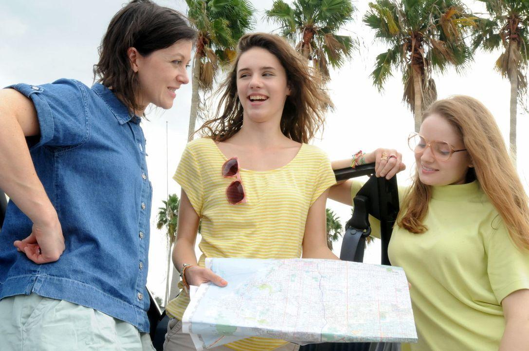 Urlaub ohne Rückkehr: Als Joan Rogers (l.) und ihre beiden Töchter Christie (M.) und Michelle (r.) zu ihrem Trip nach Florida aufbrechen, ahnen sie... - Bildquelle: Robert Crum Cineflix 2013