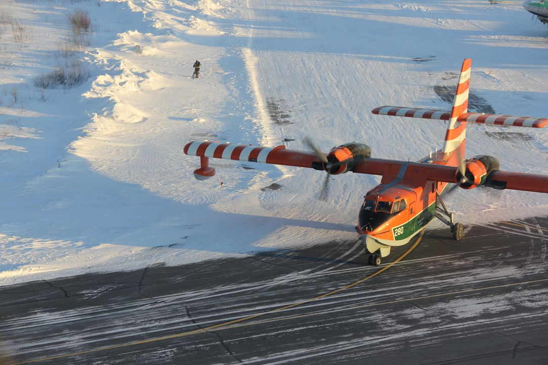 "(4. Staffel) - ""Ice Pilots"" handelt von einer unorthodoxen Fluggesellschaft im Norden Kanadas. Die in Yellowknife stationierte ""Buffalo Airways"" fli... - Bildquelle: 2012 Jessica Copple"