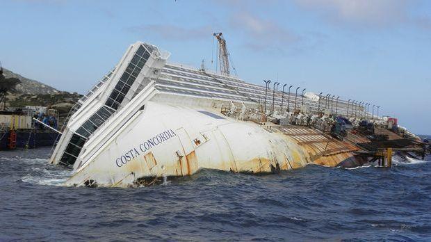 Nur wenige Schiffsunglücke sind so gut dokumentiert wie das von der Costa Con...