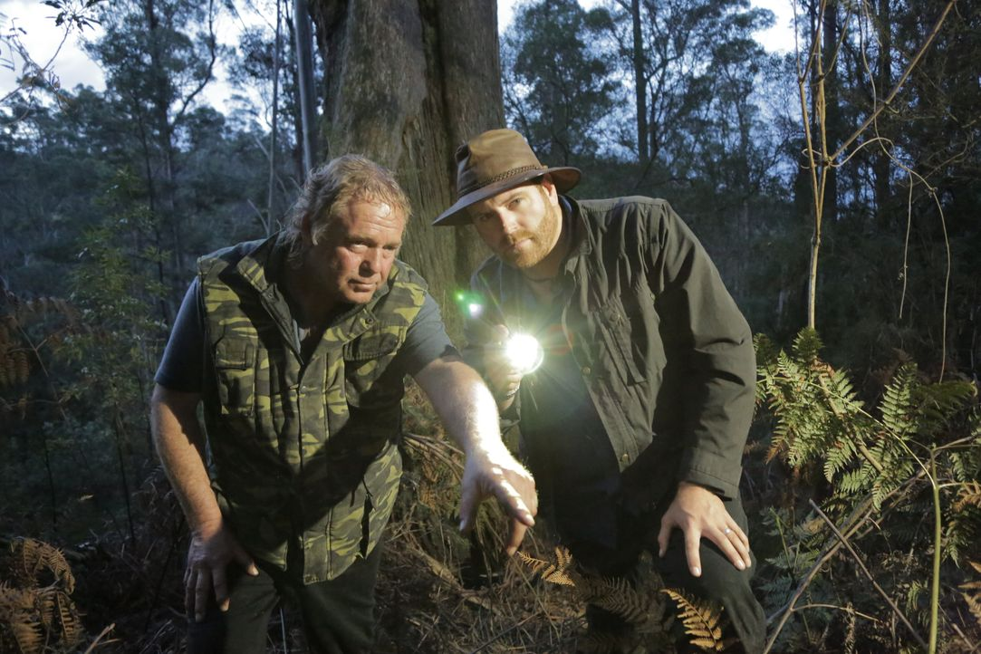 Josh Gates (r.) - Bildquelle: 2016, The Travel Channel, L.L.C. All Rights Reserved.