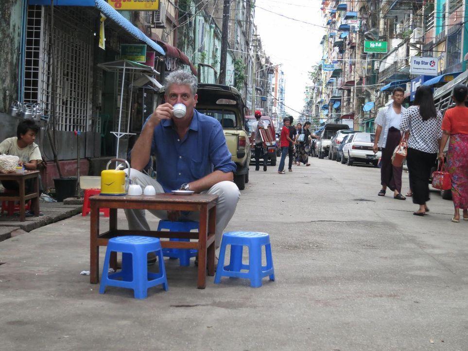 Begibt sich auf eine kulinarische Reise nach Myanmar: Anthony Bourdain ... - Bildquelle: 2013 Cable News Network, Inc. A TimeWarner Company. All rights reserved.