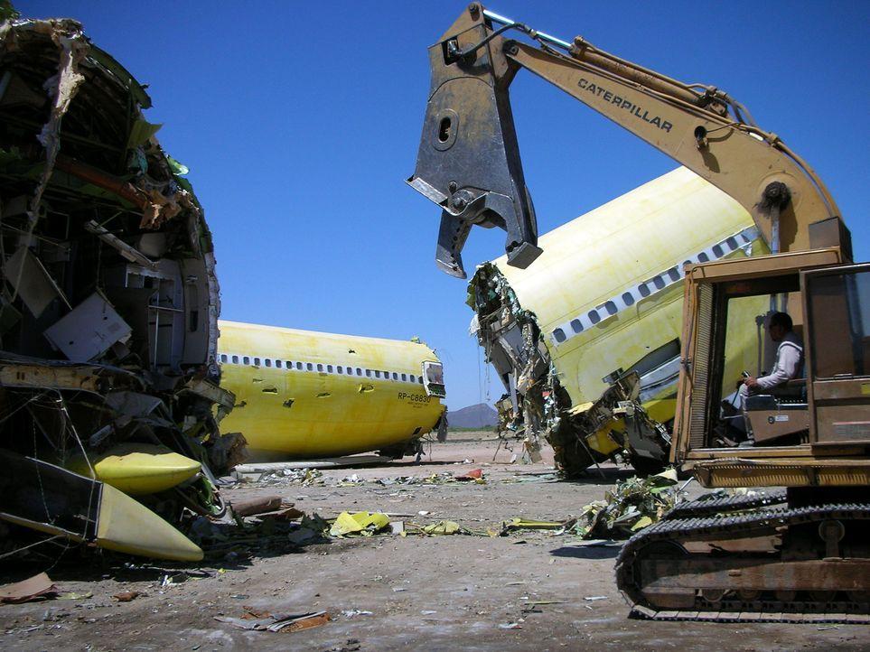 Friedhof der Flugzeuge: Die Lebensdauer eines Flugzeugs beträgt rund 30 Jahre. Einige Modelle werden aufwendig restauriert, andere dienen als Ersatz... - Bildquelle: Courtesy of Perpetual Motion Films, Inc.