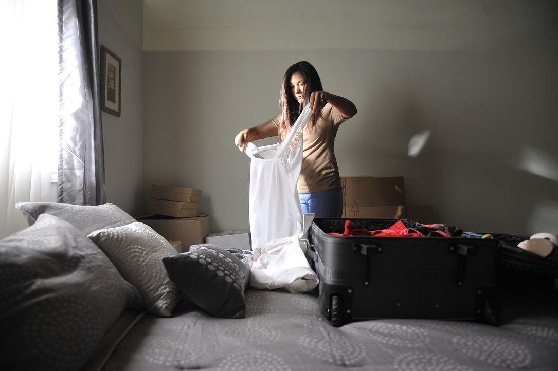 Julie Scully (Chantal Forde) lässt ihren Mann und ihr Baby in New Jersey zurück und reist nach Griechenland zu ihrem Liebhaber George. Doch dort wir... - Bildquelle: Jag Gundu Cineflix 2012