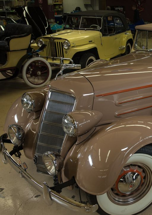 Die Werstatt-Künstler verwandeln Rost in Gold - sei es bei der Aufbereitung eines französischen De Dion Automobils, dem Nachbau eines Bugatti Aeroli... - Bildquelle: Joe Wiecha