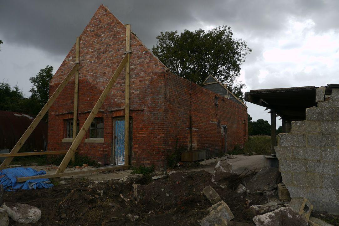 Familie Verdon hat sich in den Kopf gesetzt, ein verfallenes viktorianisches Backsteinhaus in Oxford instand zu setzen. Die Ruine besteht lediglich... - Bildquelle: Tiger Aspect Productions Ltd MMXIV