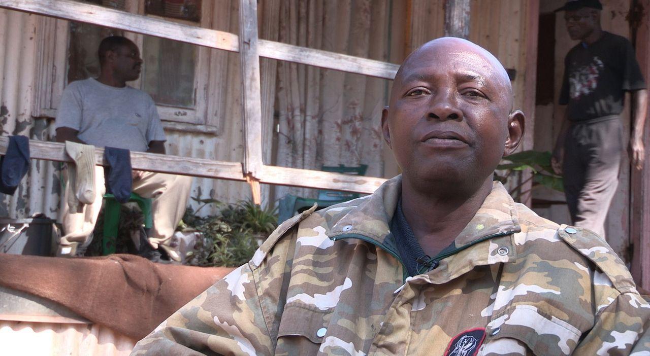 In den 1960er Jahren war Afrika geprägt von Kriegen. In diesem Chaos bildete sich das gefürchtete 32- oder auch Büffel-Bataillon. Nicht selten kamen... - Bildquelle: Ben Anderson Eyeline Entertainment