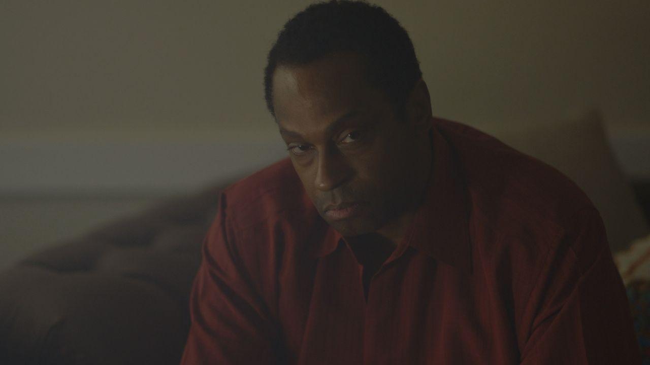 Hat er mit ihrem Tod etwas zu tun? Dexter Linfield wird verdächtigt, den Mord an seiner Frau Darlene begangen zu haben ... - Bildquelle: LMNO Cable Group