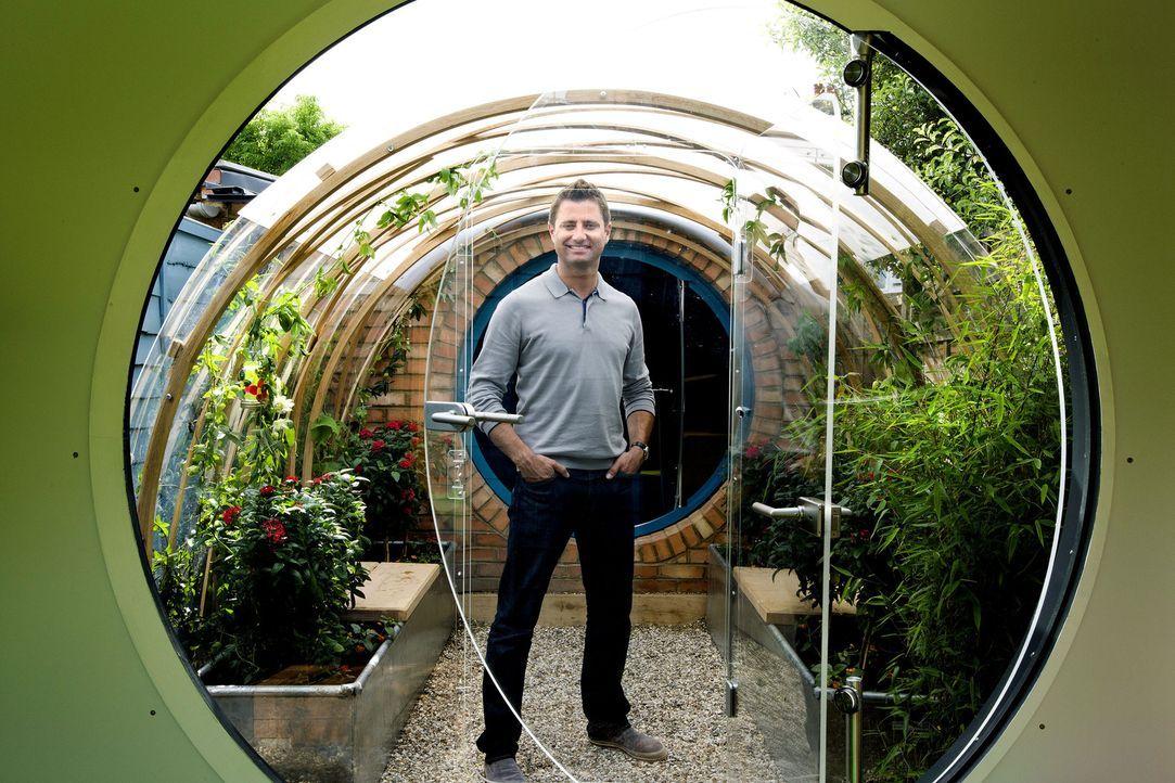 George Clarkes neuestes Projekt entsteht in seinem eigenen Garten - eine Kombination aus Studio, Wintergarten, Spielplatz für seine Kids, Werkstatt... - Bildquelle: Victor De Jesus UNP