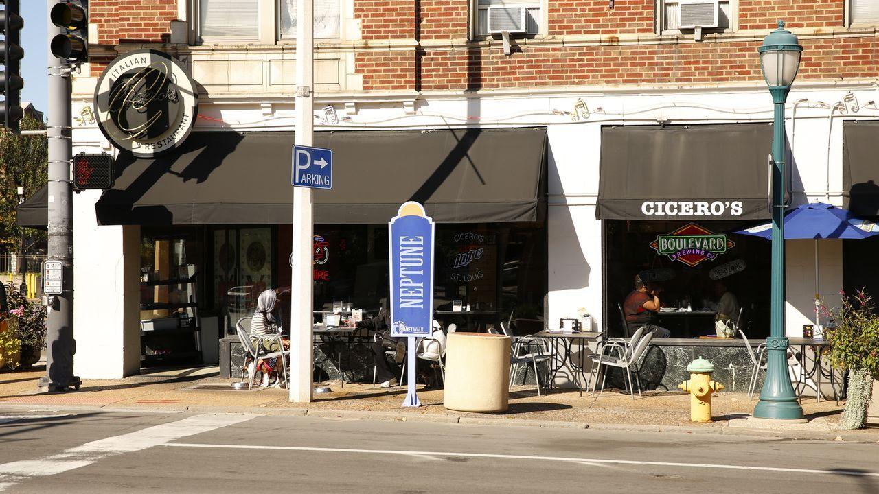 In St. Louis macht sich Koch und Autor Andrew Zimmern auf die Suche nach ganz besonderem Essen ... - Bildquelle: 2014,The Travel Channel, L.L.C. All Rights Reserved
