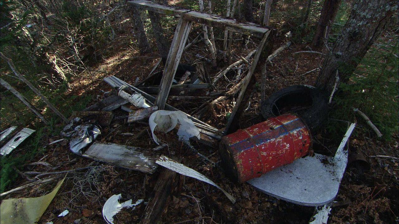 Kanada: Spezialisten müssen unter Einsatz ihres eigenen Lebens die tödlichen Hinterlassenschaften der Militärs entsorgen ... - Bildquelle: 2012 PIXCOM PRODUCTIONS INC.