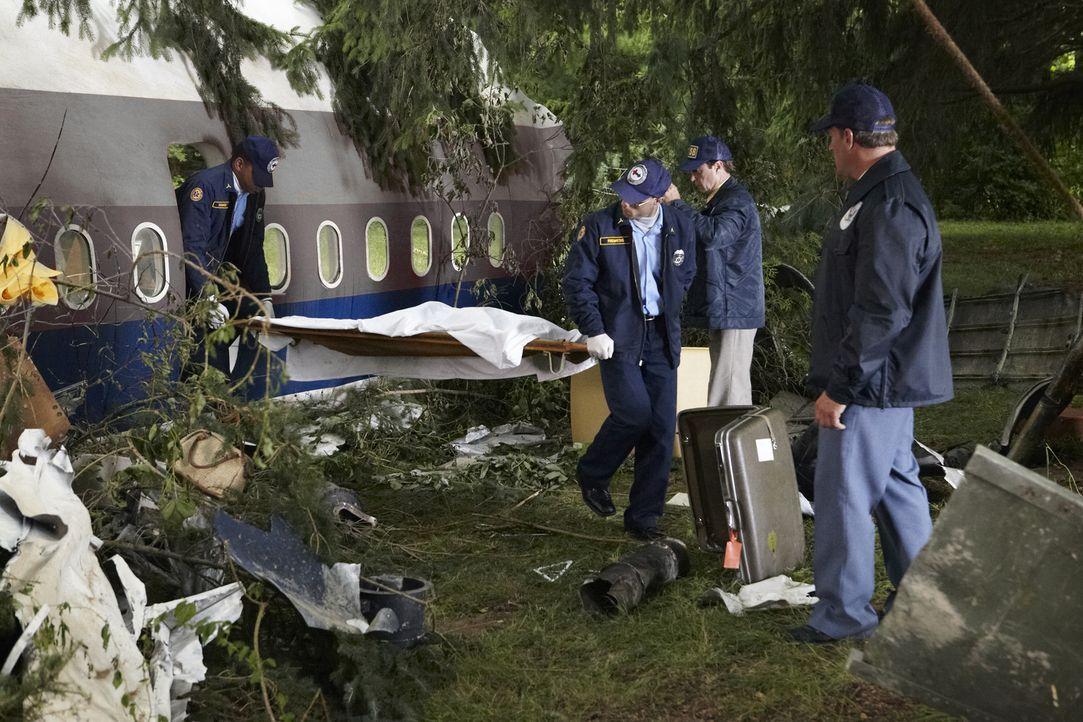 Zehn Passagiere verlieren beim Absturz von Flug 173 der United Airlines ihr Leben. Was führte zu dieser Katastrophe am 28. Dezember 1978? - Bildquelle: Ian Watson Cineflix 2012