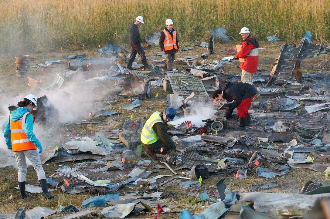 Am 22. Dezember 1999 stürzt die koreanische Maschine mit der Flugnummer 8509 kurz nach dem Start vom Flughafen Stansted ab. Der Grund stellt schließ... - Bildquelle: Steven Lungley Cineflix 2011