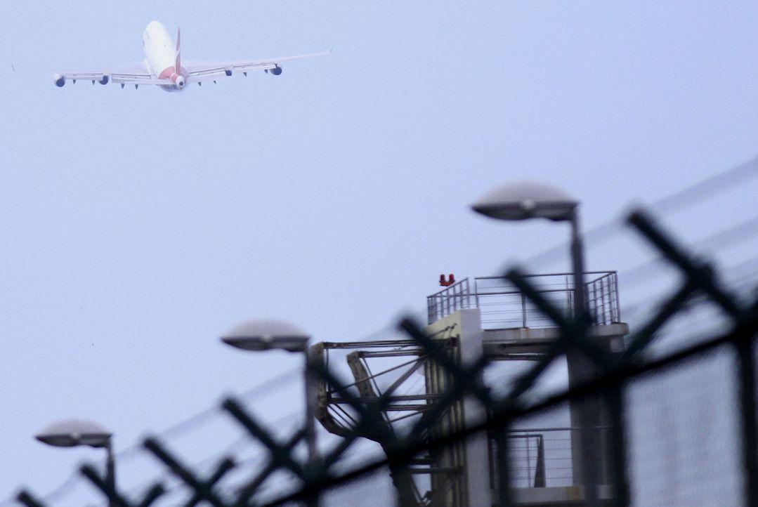 Die moderne Computertechnik macht Fliegen immer sicherer. Doch was, wenn ein Fehler im System vorliegt? Manchmal genügt ein kleiner Defekt - und ein... - Bildquelle: EPA