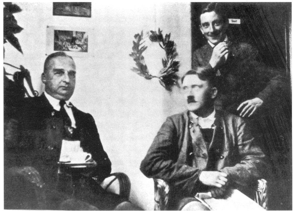 Hitler (M.) in Landsberg im Gefängnis