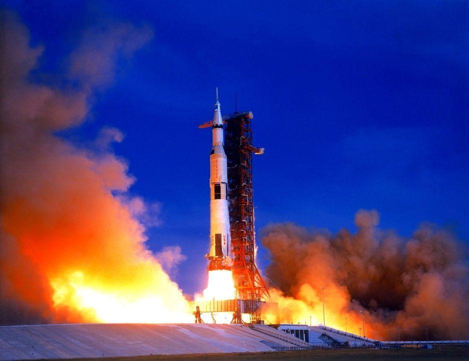 Der erste Mensch auf dem Mond, die spektakuläre Rückholaktion von Apollo 13 oder permanentes Leben auf der internationalen Raumstation ISS - diese D... - Bildquelle: NASA