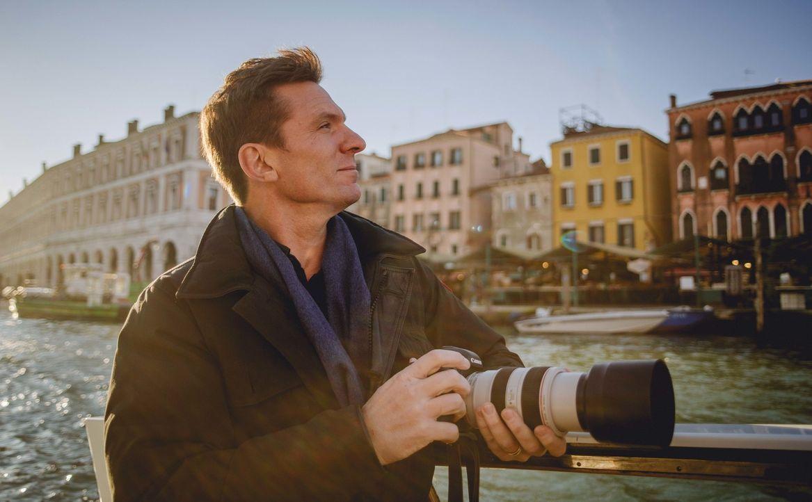 Bill Weir reist nach Italien und watet durch die überfuteten Gassen und Kanäle Venedigs. Dort versucht er sich selbt ein Bild davon zu machen, wie d... - Bildquelle: Philip Bloom 2015 Cable News Network. A Time Warner Company. All Rights Reserved.