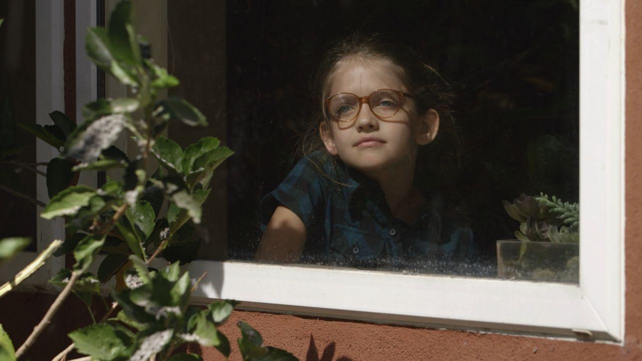 Die kleine Kristina musste tagelang zu Hause bleiben, weil eine Aschewolke im Mai 1980 nach der Eruption des Mount St. Helens den US-Bundesstaat Was... - Bildquelle: LMNO Cable Group