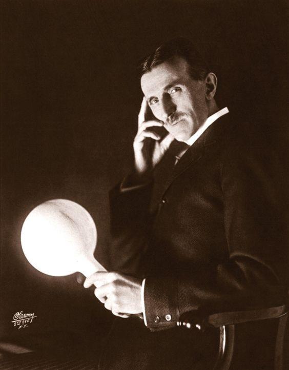 Er ist einer der produktivsten Erfinder des 20. Jahrhunderts - und der Mann, der die Welt elektrisiert hat. Nikola Tesla (Bild) hat die Menschheit i... - Bildquelle: Marc Seifer Archives