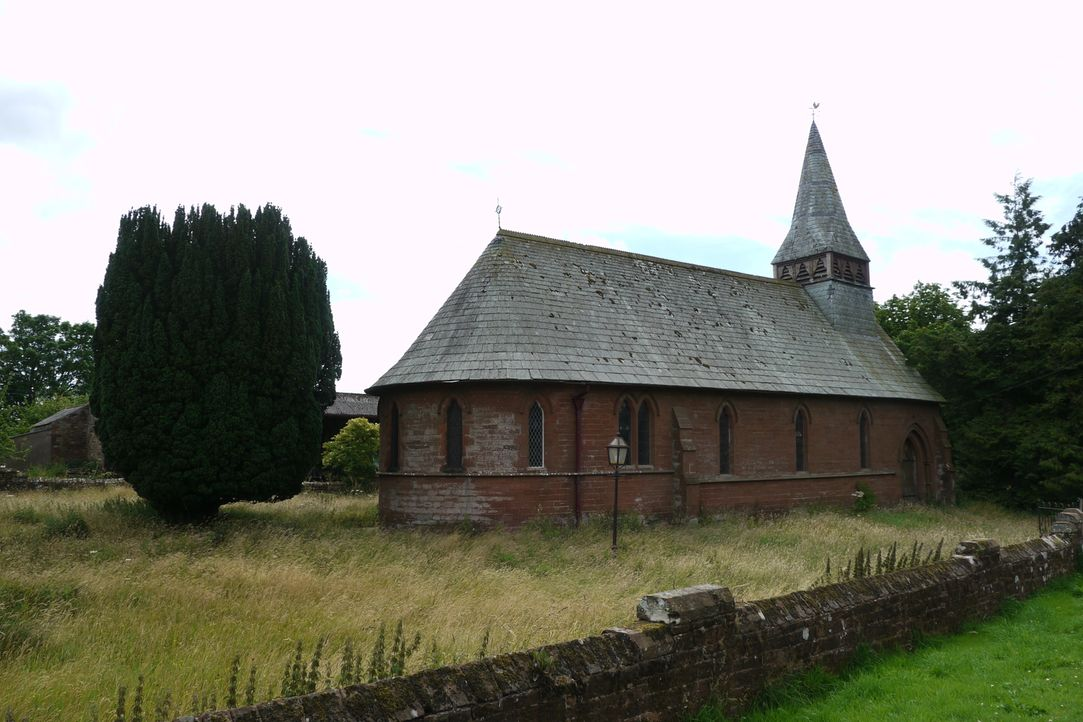 Phil und Joanne Evans setzen finanziell alles auf eine Karte, als sie eine alte Kirche in Gamblesby/England kaufen, um daraus ihr Traumhaus entstehe... - Bildquelle: Tiger Aspect Productions Ltd MMXIV  Tiger Aspect Productions Ltd MMXIV