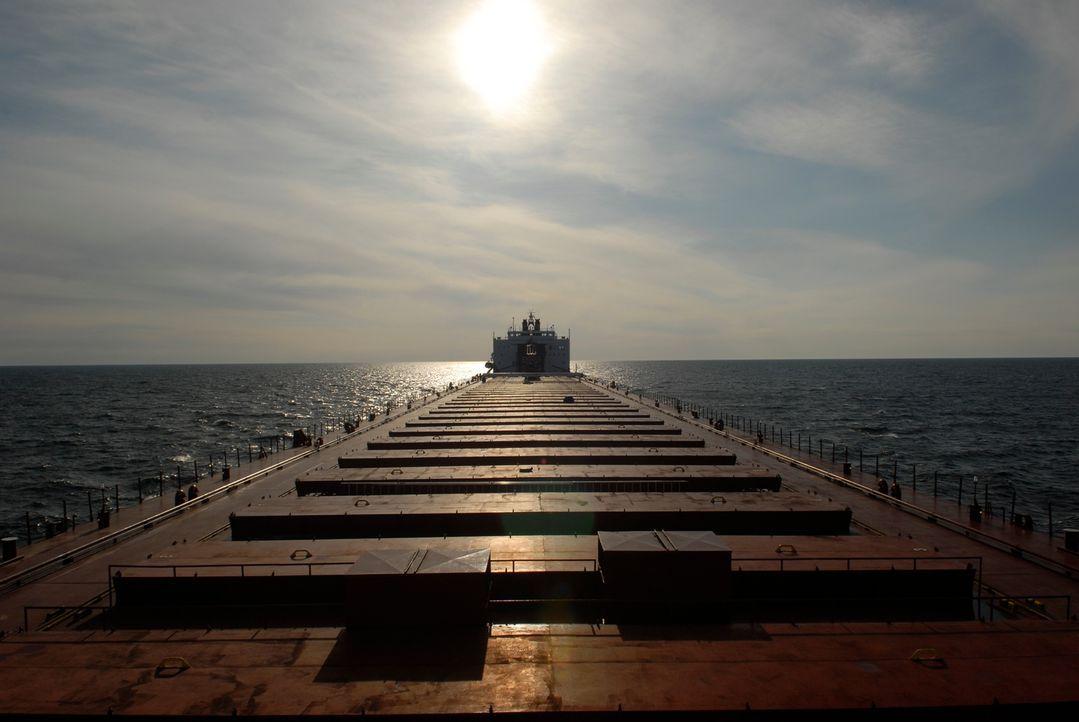 Ist mit 1.000 Fuß Länge der längste Frachter auf den Großen Seen: die MV Paul R. Tregurtha ... - Bildquelle: Exploration Production Inc.