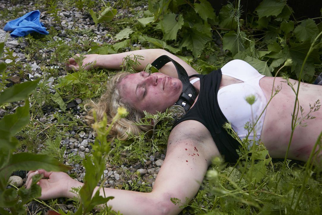 Die Country-Sängerin Melissa Haferman (Miranda Reynolds) wird ermordet aufgefunden, ausgerechnet kurz nachdem sie ihr neustes Album aufgenommen hatt... - Bildquelle: Ian Watson Cineflix 2014 / Ian Watson