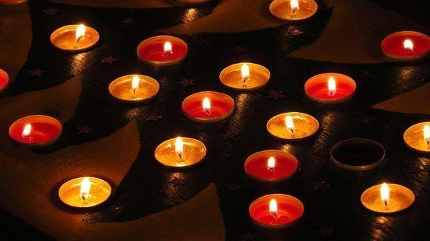 Adventskalender aus Kerzen
